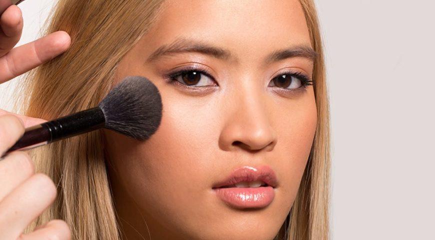 Tips Makeup Bebas Kilap dalam Sekejap