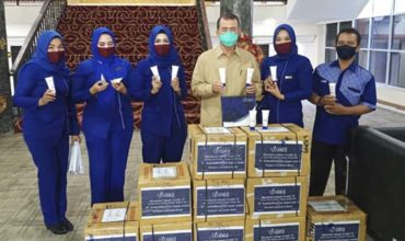 Melawan Covid-19, Inez Kosmetik Bantu 1000 Hand Sanitizer Untuk Sumbar